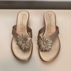 Like New ✨ Italiana 8M Isobel Women's Gold Sandals